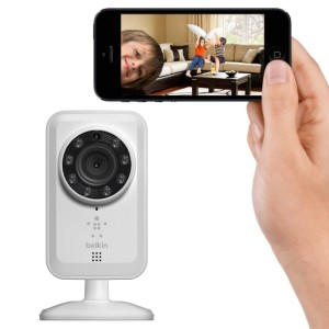 video-nyanya-belkin-netcam-baby-monitor-connect-to-apple-iphone-ipod-ipad-android-wireless_1-1000x1000