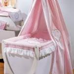 Как выбрать подарок новорождённому