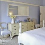 Неотъемлемая деталь комнаты для отдыха – комод для спальни