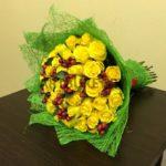 Как правильно дарить цветы разным женщинам?