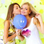 Как креативно поздравить свою подругу?